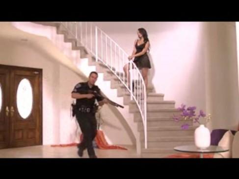 Escritorio Do Sexo Transou Com Um Policial Em Sua Casa