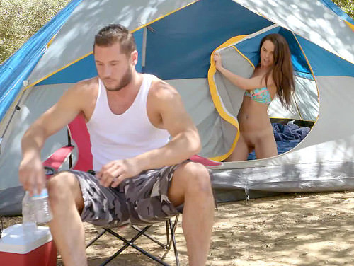 Imagem vidios de sexo xxx Flagra novinha se masturbando em barraca de acampamento