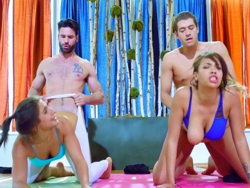 Imagem Sexobr Personal trainer fodendo duas amadoras novinhas